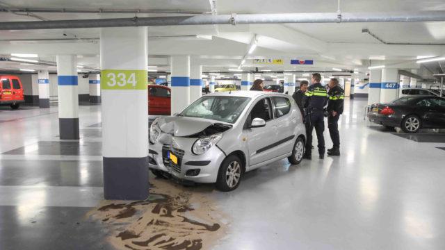 Eenzijdig ongeval in parkeergarage Zandvoort