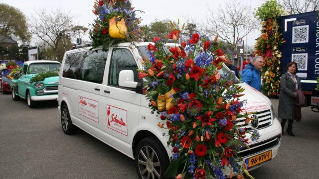 Bloemencorso zoekt deelname luxe-wagens