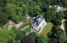 Acteur ingezet voor spannende film om villa te verkopen